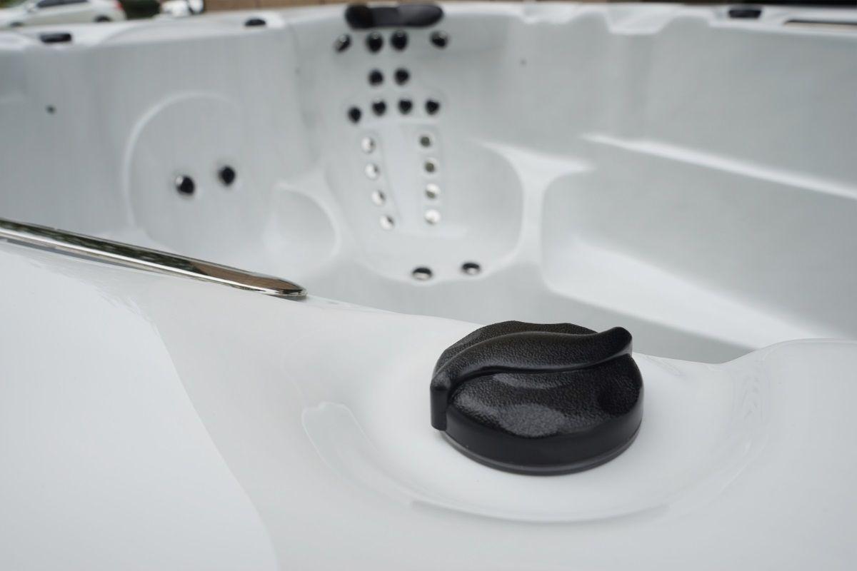 SwimSpa Masažni bazen protustrujno plivanje